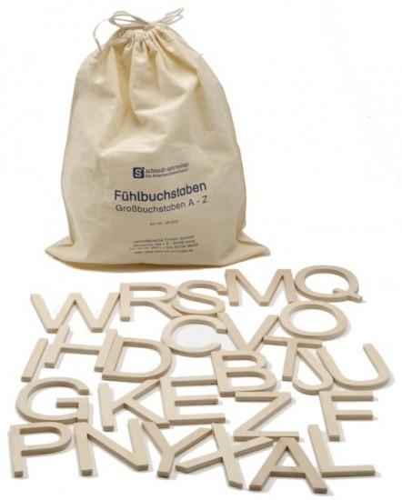 Große Holzbuchstaben