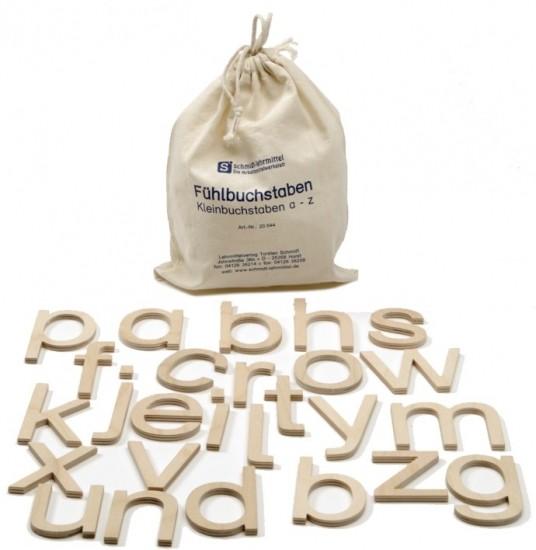 Kleinbuchstaben aus Holz
